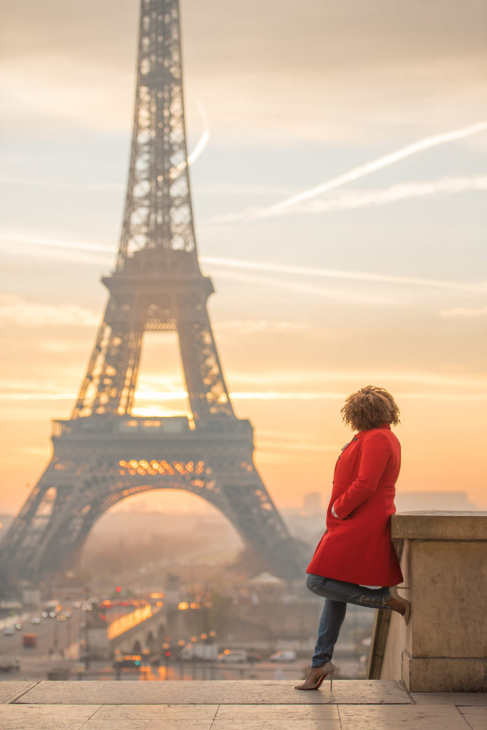 Solo photo session at sunrise in Paris