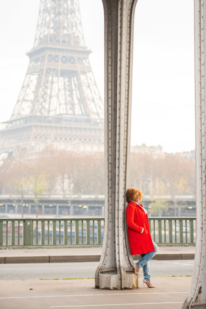 Solo morning photo session at Eiffel tower