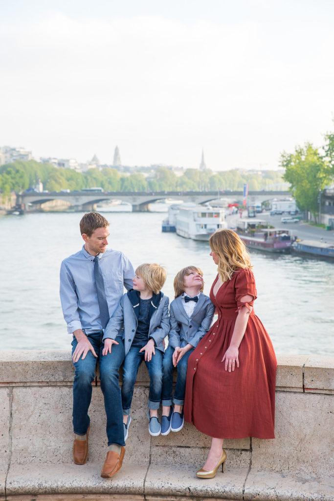 Family photoshoot in Paris near trocadero
