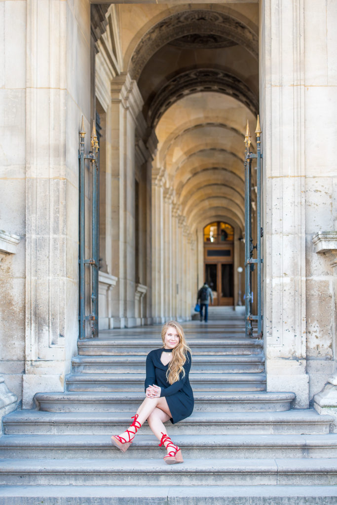 Sweet sixteen photoshoot at Louvre museum