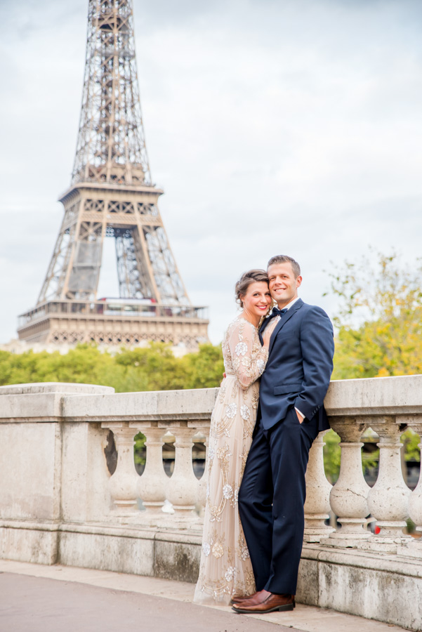 Anniversary photoshoot in Paris near Eiffel Tower