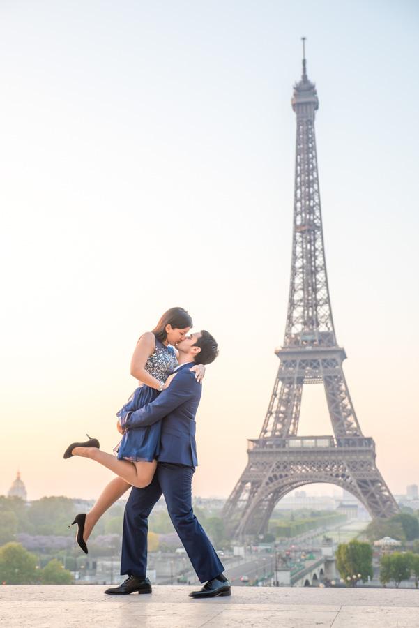 Trocadero kiss photoshoot