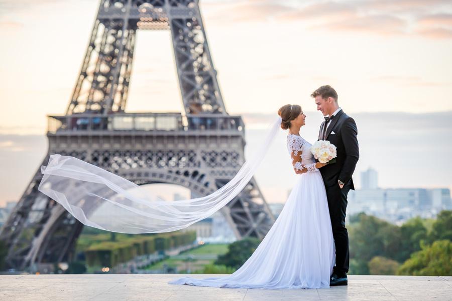 wedding photoshoot at trocadero / Eiffel Tower
