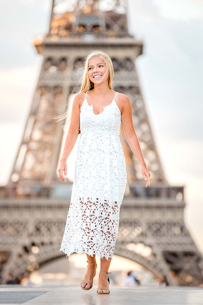 Sweet daughter photos at Eiffel Tower in Paris
