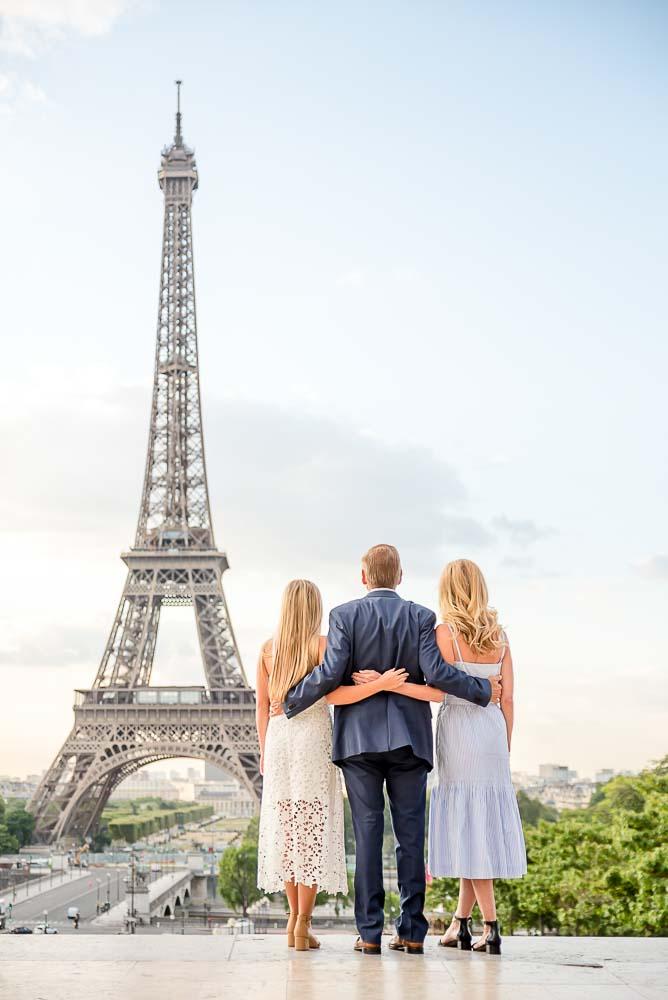 Eiffel Tower - sweet family photoshoot
