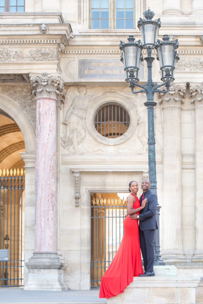 Couple photoshoot at Louvre museum