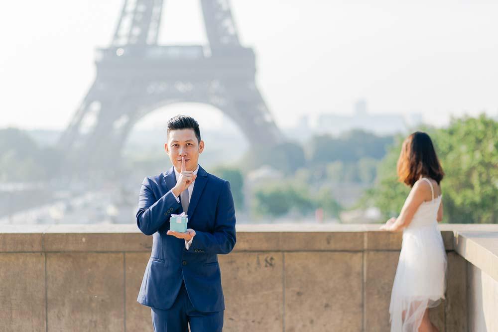 proposal photos at Eiffel Tower