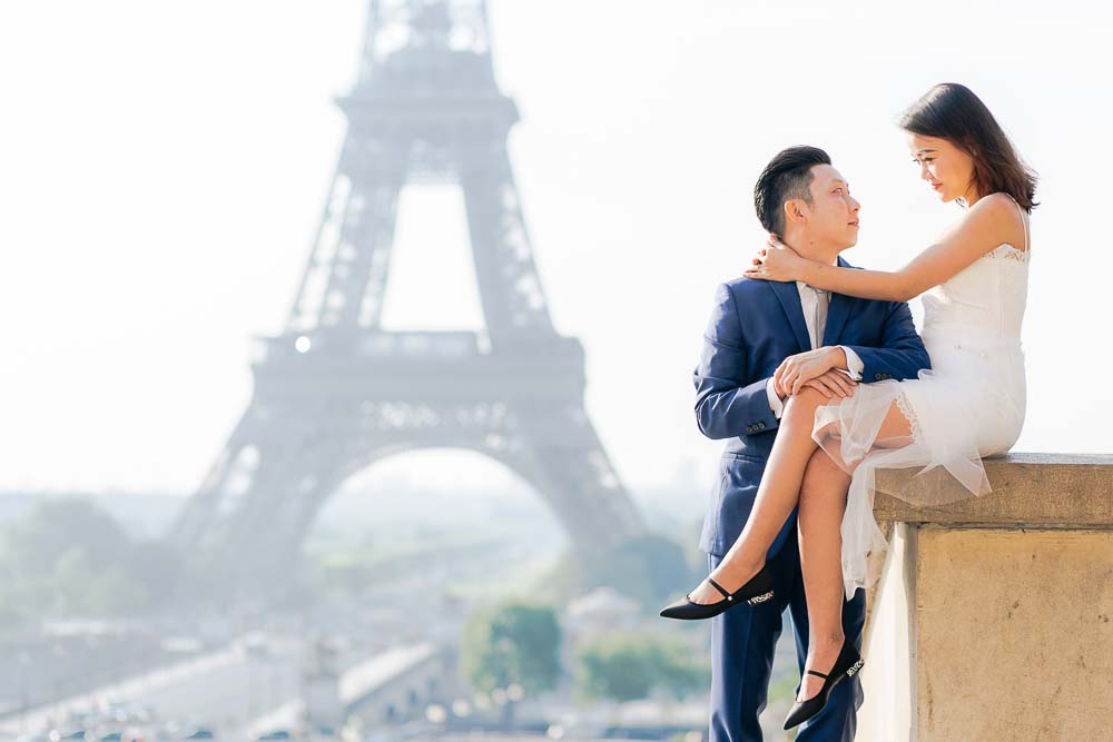 proposal photo session at Eiffel Tower