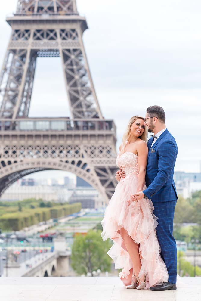 sweet engagement in paris