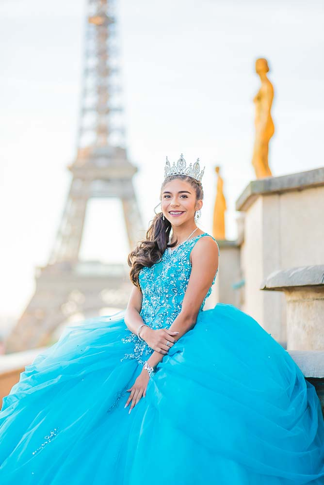 Quinceanera photography at Eiffel Tower