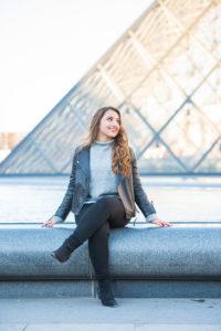Louvre senior portrait in Paris