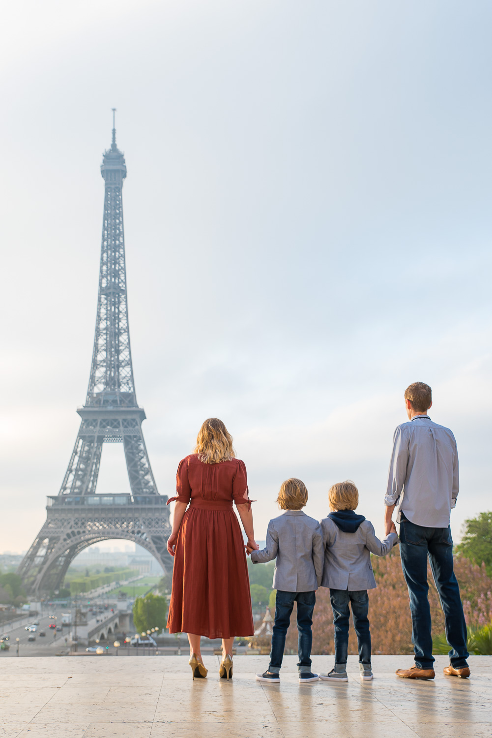 Family photo session in trocadero