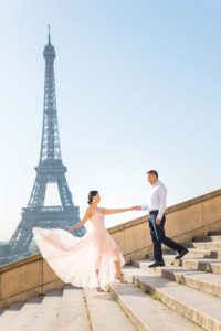 Couple on stairs during family shoot at Trocadero
