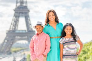 Family pictures at the Eiffel Tower