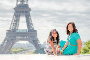 Mother daughter photos at the Eiffel Tower