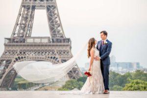 Elopement wedding photoshoot at Eiffel Tower