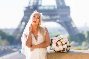 Bridal couple photo session at Eiffel Tower