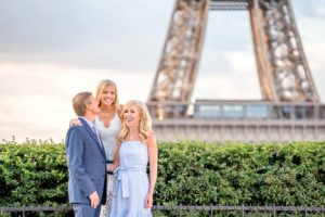 Sweet family pictures at the Eiffel Tower