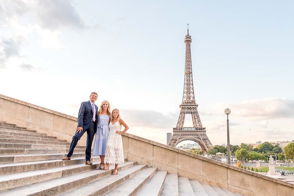 Sweet family photos at the Eiffel Tower