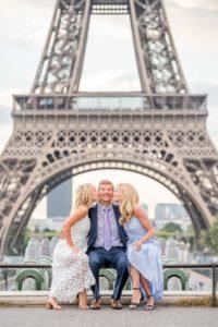 Sweet family photos in Paris
