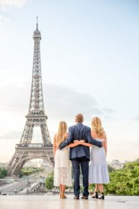 Eiffel Tower - sweet family photoshoot