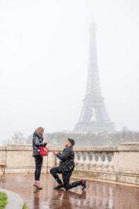 Paris surprise proposal at Eiffel Tower