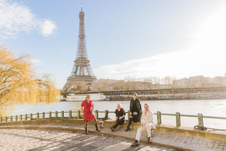 Local photographer in Paris / Eiffel Tower