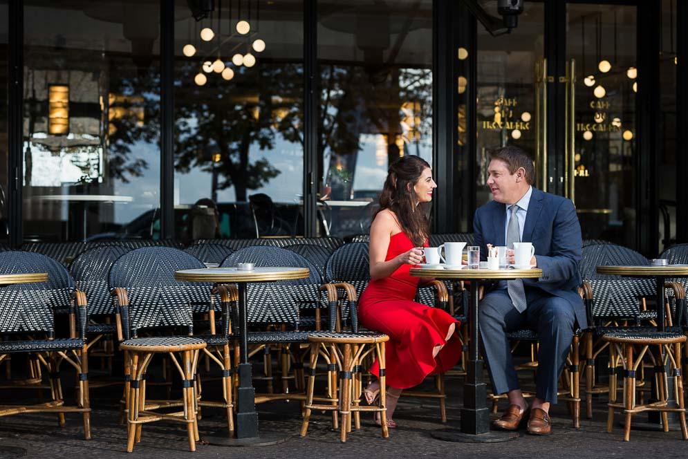 couple enjoying coffee paris