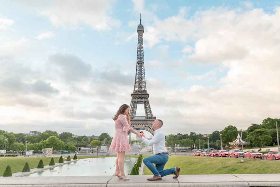 surprise proposal eiffel tower best location