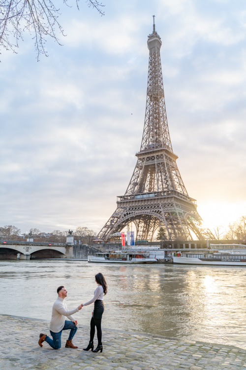 eiffel tower riverside photoshoot