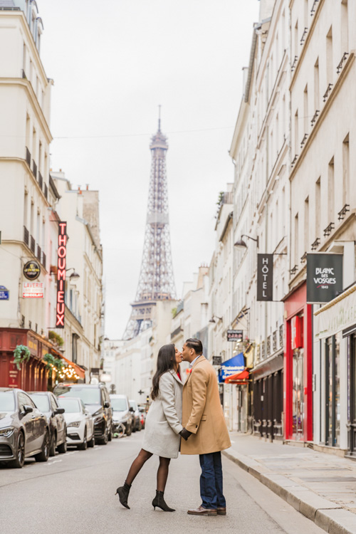 eiffel tower street photoshoot