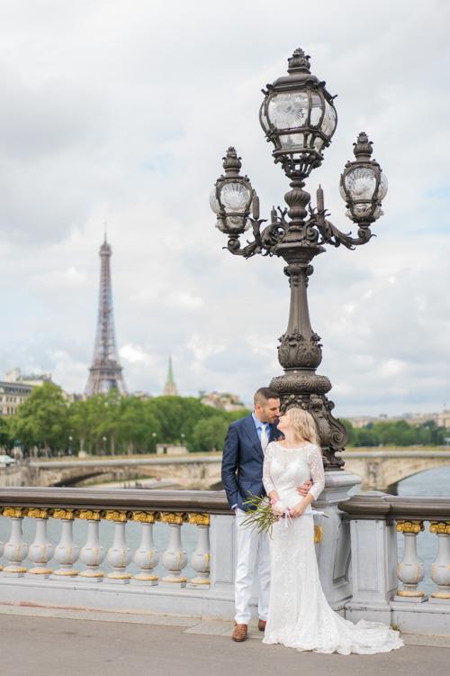 eiffel tower wedding photo-shoot